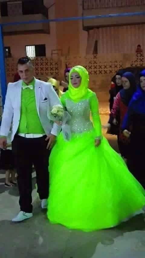 17 cô dâu hóa tuồng chèo khi khoác lên mình những thảm họa váy cưới - Ảnh 17.