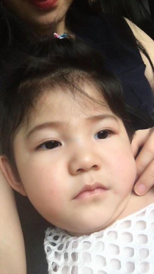 Mẹ nuôi 9x tổ chức sinh nhật hoành tráng cho em bé Lào Cai, tiết lộ người chăm sóc bé thật sự - Ảnh 6.
