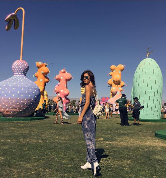 Lại một mùa Coachella bỏng mắt ngắm những cô nàng xinh đẹp và sexy nhất nước Mỹ! - Ảnh 27.
