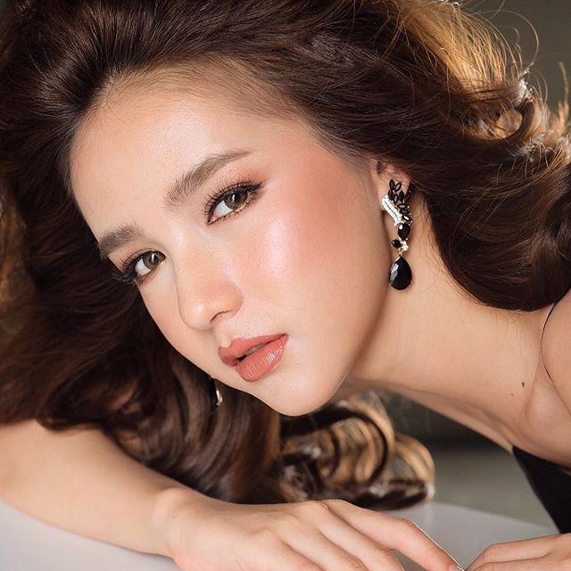Hot girl được ví đẹp hơn Nong Poy vừa trở thành Hoa hậu chuyển giới Thái Lan 2017 - Ảnh 7.
