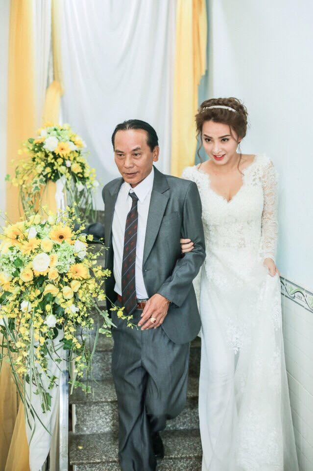 Lộ ảnh làm dấy lên nghi vấn Hải Băng bí mật tổ chức lễ đính hôn với Thành Đạt vào năm 2016 - Ảnh 1.