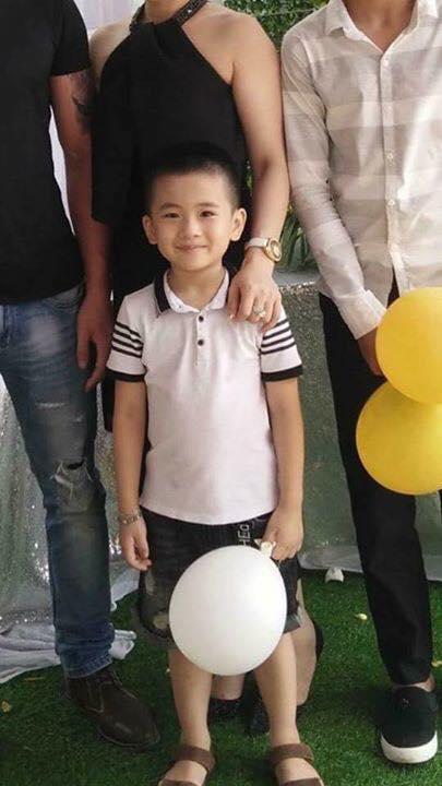 Anh bé trai 6 tuổi bị bắt cóc ở Quảng Bình nói về hình ảnh em bé khóc trên xe máy giống 80% - Ảnh 1.