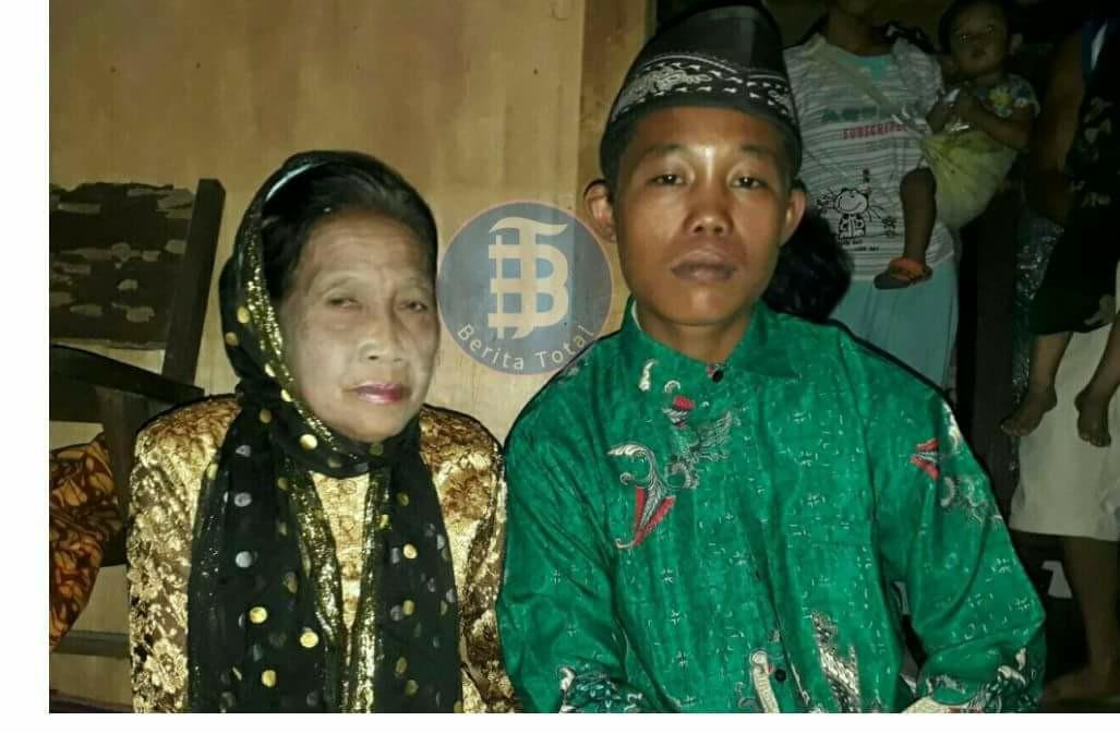 Độc lạ: Dọa tự tử nếu không được bên nhau, cuối cùng chàng trai 16 tuổi cũng được kết hôn với cụ bà 71 tuổi như ước nguyện