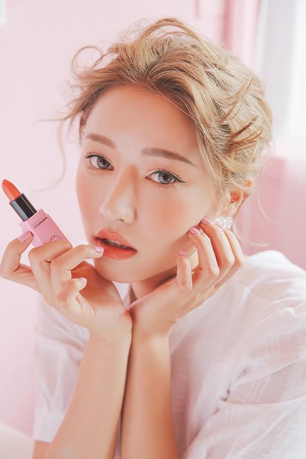 Mùa hè là phải diện son cam: 5 thỏi son Hàn Quốc mới ra giá từ 180 nghìn cho các nàng xúng xính hè này - Ảnh 3.