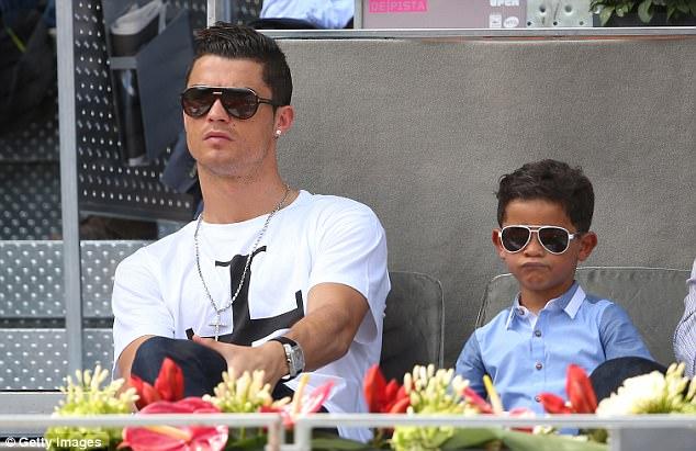 Cặp sinh đôi của Ronaldo đã ra đời như thế nào? - Ảnh 3.