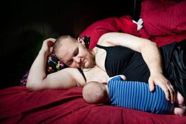 Câu chuyện ông bố tự sinh con sẽ khiến bạn cảm nhận tình phụ tử thiêng liêng biết nhường nào - Ảnh 2.