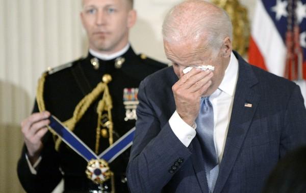 Chuyện ít biết phía sau những giọt nước mắt của phó Tổng thống Mỹ, người bạn tri kỷ luôn sát cánh bên ông Obama - ảnh 2