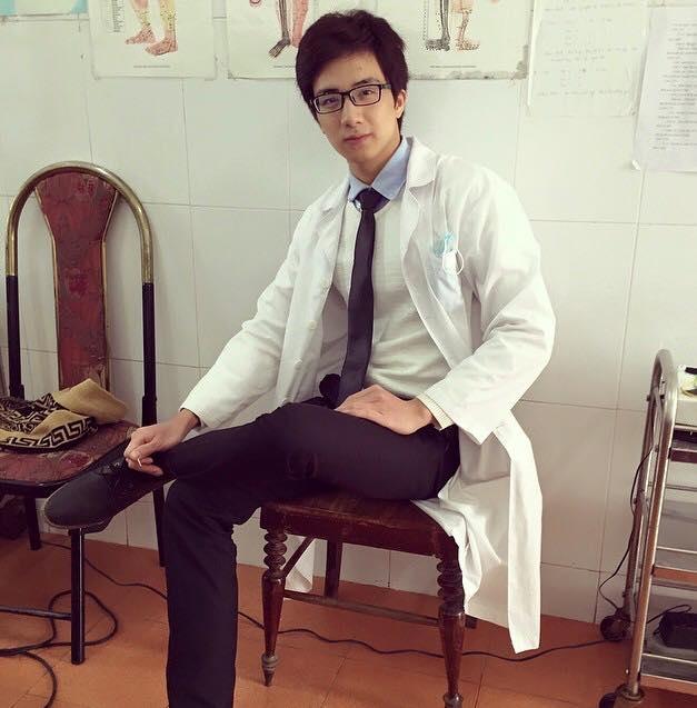 Sĩ Thanh công khai đang hẹn hò với chàng bác sĩ 6 múi, đẹp trai nhất Việt Nam - Ảnh 10.