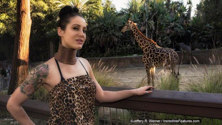 Độc lạ: Gặp gỡ cô gái xinh đẹp muốn biến mình thành