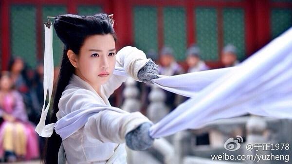 """Netizen dậy sóng khi cô cô """"đùi gà"""" Trần Nghiên Hy hoá huyền thoại Đặng Lệ Quân - Ảnh 2."""