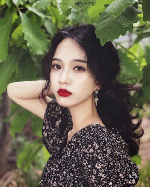 Cô nàng Hàn Quốc xinh đến nỗi khiến người ta thốt lên: Cô tiên là có thật! - Ảnh 1.