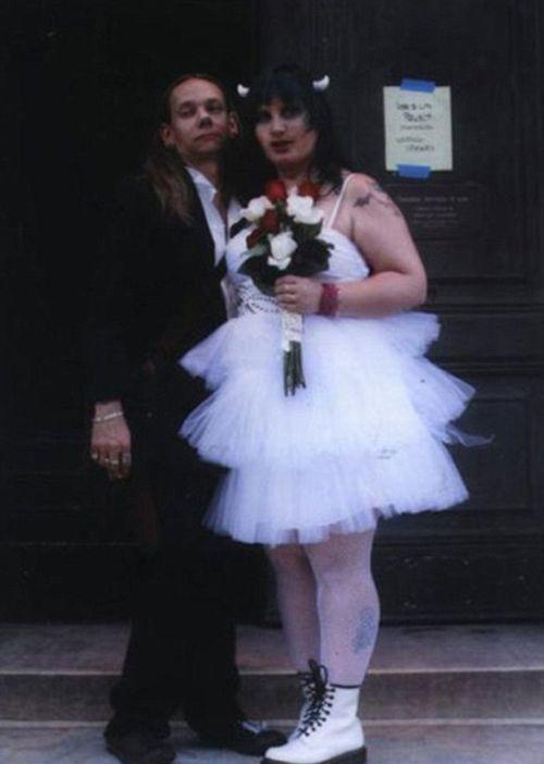 17 cô dâu hóa tuồng chèo khi khoác lên mình những thảm họa váy cưới - Ảnh 15.
