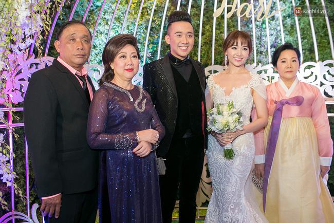 Điểm lại những đám cưới xa hoa, đình đám trong showbiz Việt khiến công chúng suýt xoa - Ảnh 7.