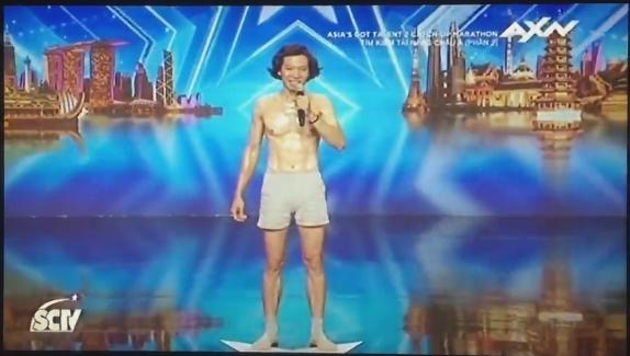 Kỹ sư người Việt khiến giám khảo Got Talent châu Á ngỡ ngàng vì tiết mục quá dở - Ảnh 2.