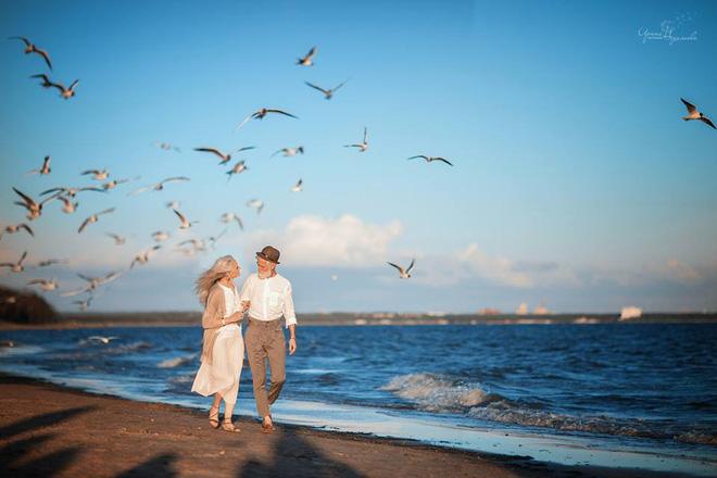 Cư dân mạng xuýt xoa với bộ ảnh Tình yêu vượt thời gian của cặp vợ chồng già - Ảnh 5.