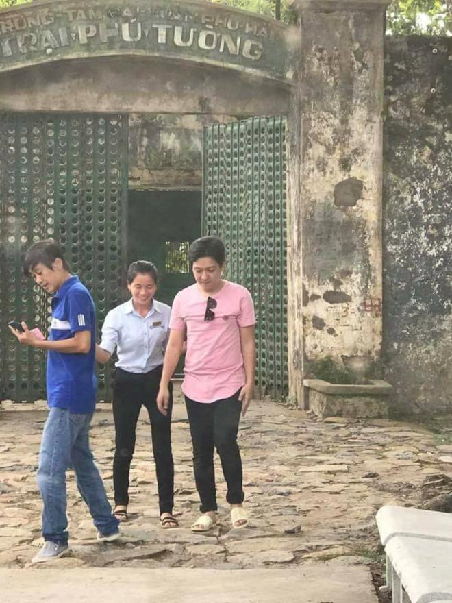 Giữa tin đồn chia tay, Trường Giang và Nhã Phương lộ ảnh thân mật tại Côn Đảo - Ảnh 3.