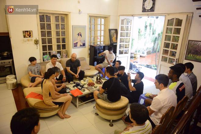 Cao thủ Vịnh Xuân Flores đến tận nhà, tặng quà cho võ sư Đoàn Bảo Châu - Ảnh 5.