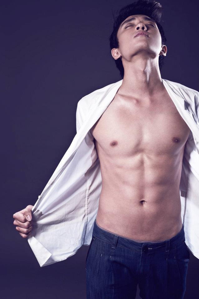 Hành trình lột xác của Hữu Vi: Từ thư sinh gầy còm đến host The Face có body 6 múi cực chuẩn! - Ảnh 9.