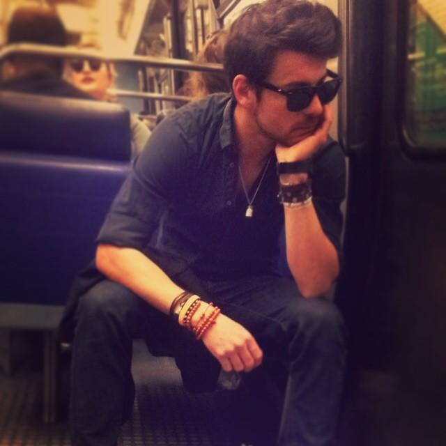 Chùm ảnh chứng minh hóa ra tàu điện ngầm mới thực sự là thiên đường trai đẹp - Ảnh 13.