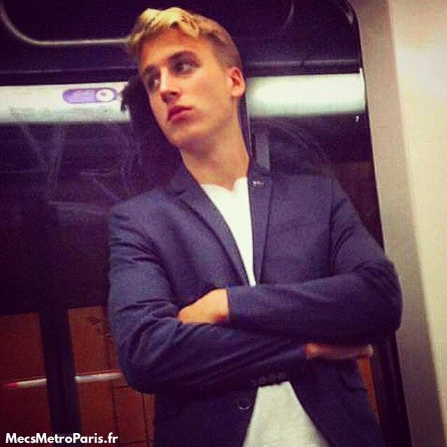 Chùm ảnh chứng minh hóa ra tàu điện ngầm mới thực sự là thiên đường trai đẹp - Ảnh 19.
