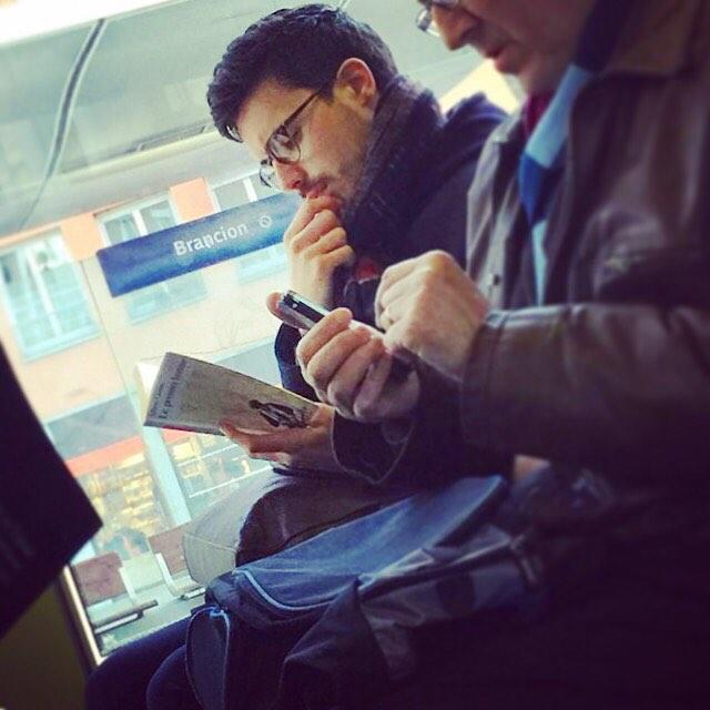 Chùm ảnh chứng minh hóa ra tàu điện ngầm mới thực sự là thiên đường trai đẹp - Ảnh 29.