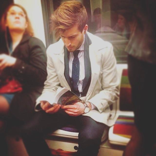 Chùm ảnh chứng minh hóa ra tàu điện ngầm mới thực sự là thiên đường trai đẹp - Ảnh 39.
