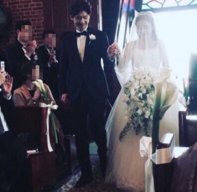 Sao Hàn: Sau hôn lễ đẹp nhất xứ Hàn, fan