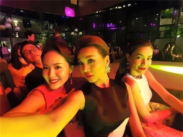 Bạn đã biết hết những kẻ chuyên phá bĩnh hình ảnh của showbiz Việt chưa? - ảnh 1