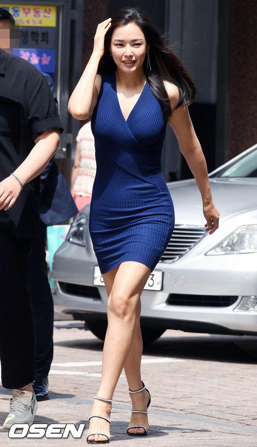 Đẳng cấp body Hoa hậu Hàn đẹp nhất thế giới: U40 vẫn còn có thể nóng bỏng đến ngẩn ngơ! - Ảnh 4.