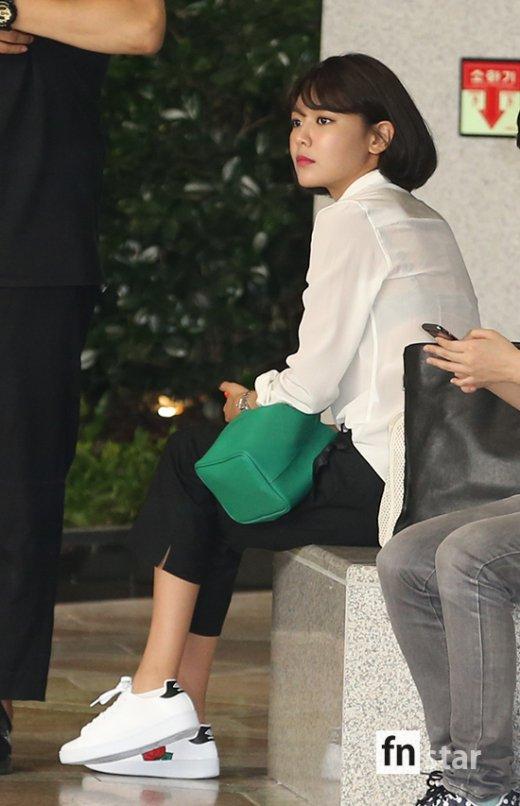 Dàn sao khủng nhà SM lại biến sân bay thành sàn diễn: SNSD đẹp xuất sắc, Yunho sang chảnh