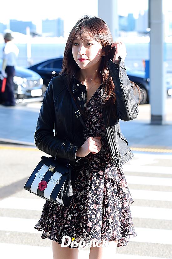 Chỉ bằng vài cái hất tóc, mỹ nhân này đã vươn lên đẳng cấp nhan sắc nữ thần của Suzy và Yoona - Ảnh 6.