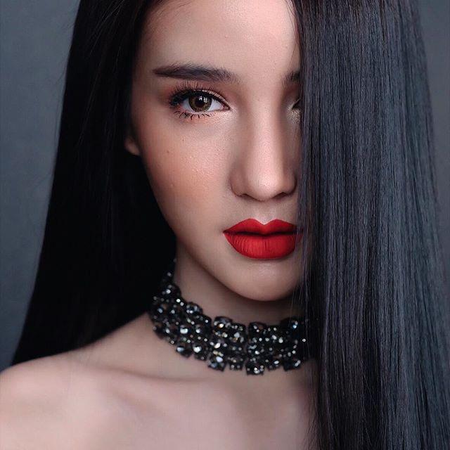 Hot girl được ví đẹp hơn Nong Poy vừa trở thành Hoa hậu chuyển giới Thái Lan 2017 - Ảnh 8.