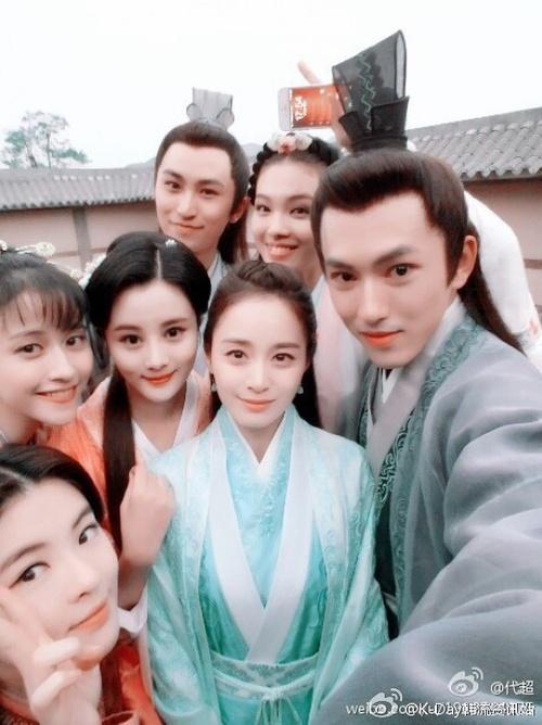 Đứng chung một khung hình, mĩ nhân Hoa - Hàn dìm nhau đến thế nào? - ảnh 24