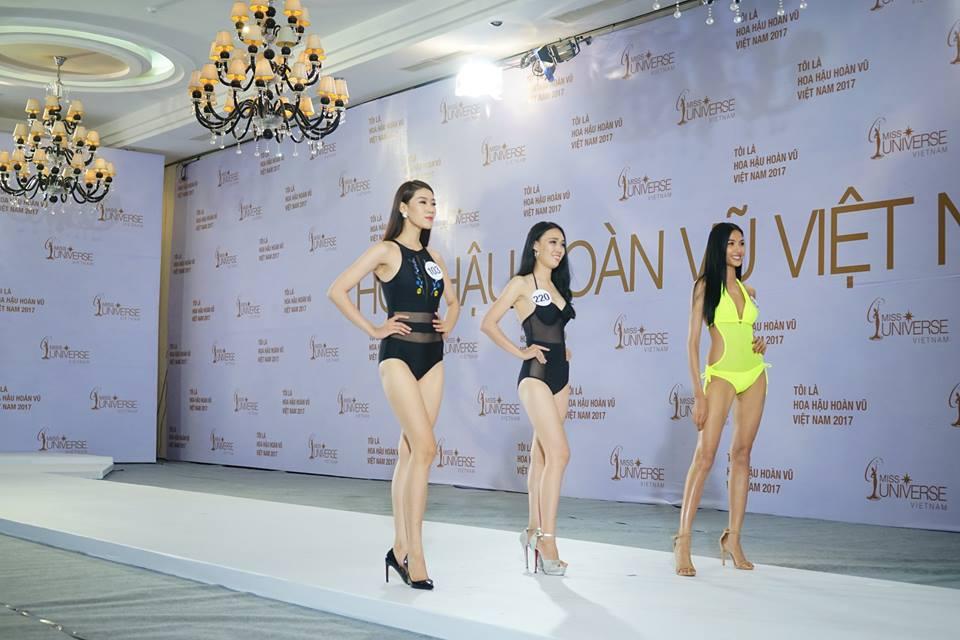 Sao Việt: Hoàng Thùy thi bikini tại
