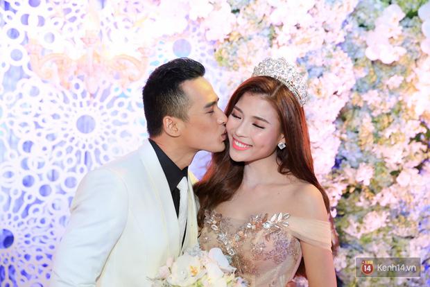 Điểm lại những đám cưới xa hoa, đình đám trong showbiz Việt khiến công chúng suýt xoa - Ảnh 21.