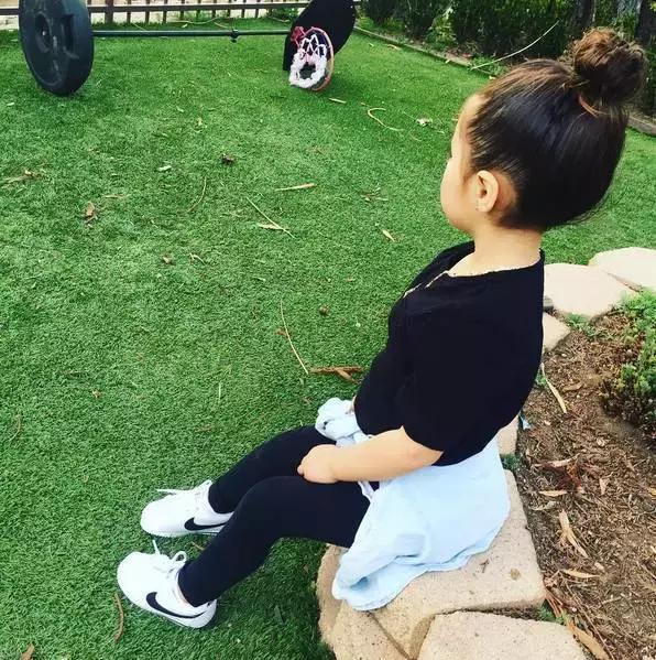 Mới 4 tuổi, cô nhóc này đã sở hữu hàng chục đôi sneakers đình đám khiến người lớn phải kiêng dè - Ảnh 24.
