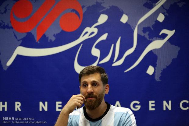 Xuất hiện bản sao giống hệt Messi từ râu đến tóc - Ảnh 8.