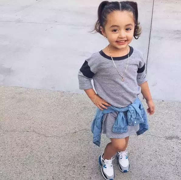 Mới 4 tuổi, cô nhóc này đã sở hữu hàng chục đôi sneakers đình đám khiến người lớn phải kiêng dè - Ảnh 25.