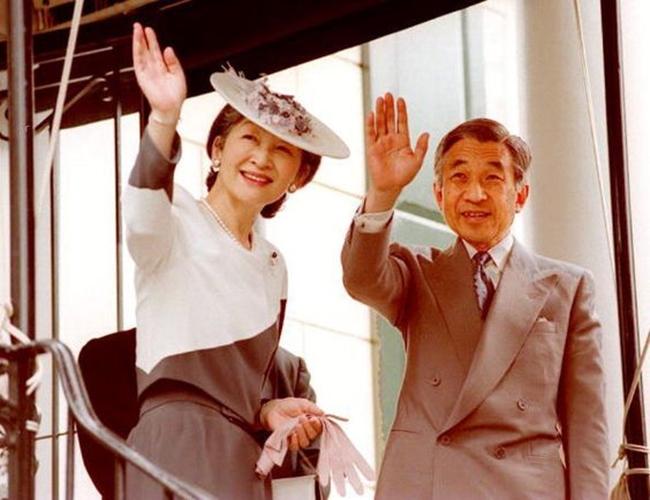 Chuyện tình cổ tích của Nhà Vua Nhật Bản phá bỏ quy tắc Hoàng gia để kết hôn với cô gái thường dân - Ảnh 17.