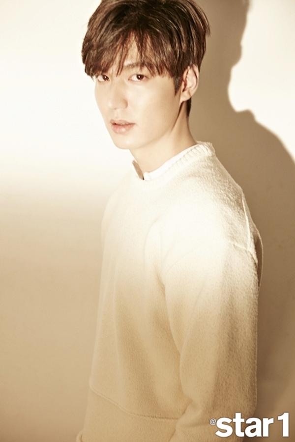 Lee Min Ho xuất hiện trở lại trên bìa tạp chí, mở lòng về chuyện nhập ngũ vào tháng 5 - Ảnh 1.