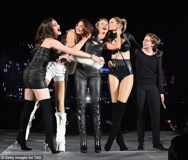 Bạn thân Taylor Swift giảm cân ngoạn mục, lột xác khỏi hình ảnh béo ú ngấn mỡ - Ảnh 7.
