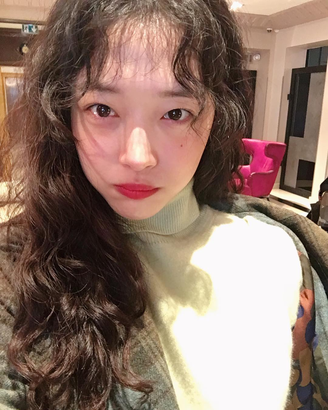 Chán tóc xoăn nhẹ nhàng, con gái Hàn rủ nhau làm tóc xoăn xù mì