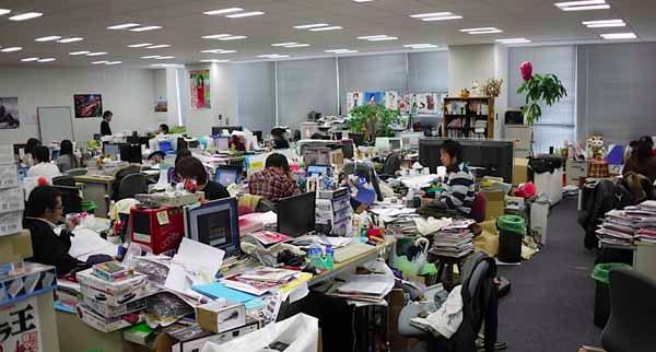 Hãy dọn dẹp bàn làm việc của bạn ngay đi trước khi phải hối hận - Ảnh 2.