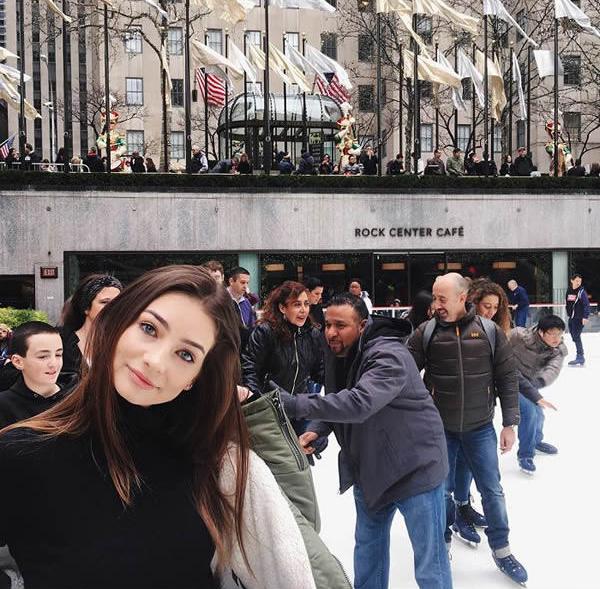 Con gái tài tử Paul Walker giờ đã thành thiếu nữ 18 tuổi xinh đẹp, gợi cảm - Ảnh 6.