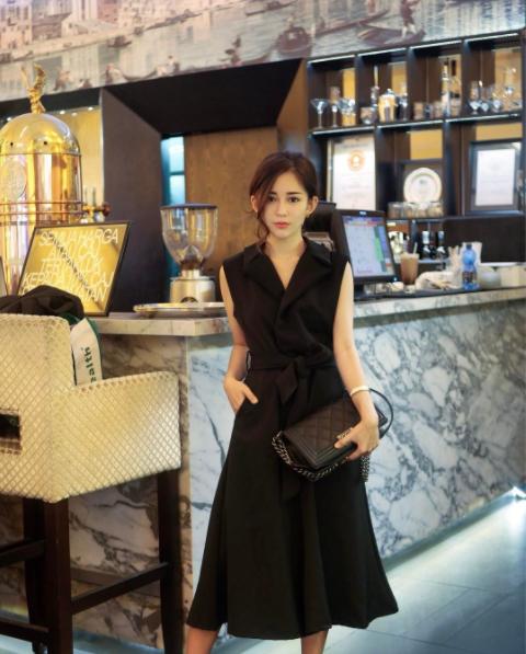 Hot girl số 1 Malaysia có khác, ăn gì mà mặt xinh - dáng chuẩn quá trời! - Ảnh 10.