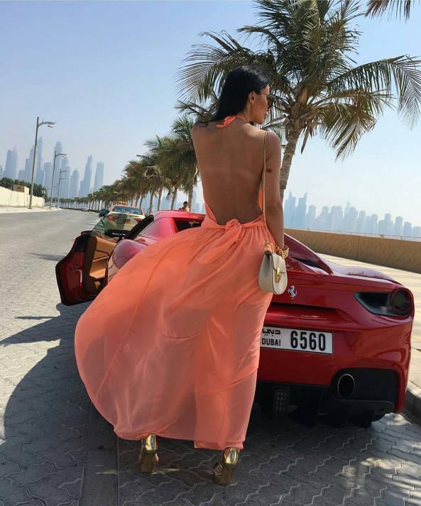 Mùa Hè sang chảnh, thỏa sức khoe dáng của các tiểu thư nhà giàu Dubai - Ảnh 29.