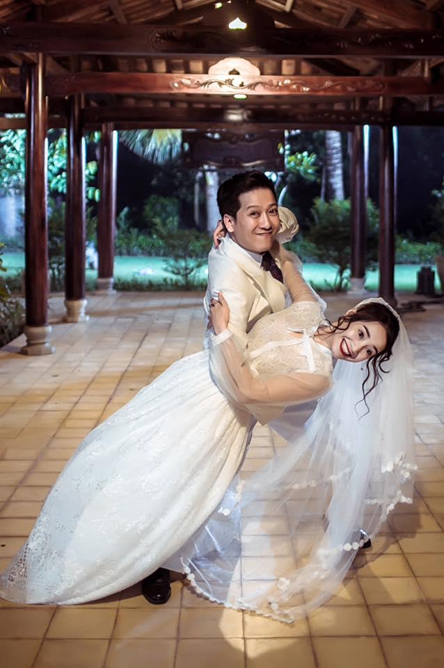 Lại thêm loạt ảnh Trường Giang và Nhã Phương mặc đồ cưới gây xôn xao cộng đồng mạng - Ảnh 4.