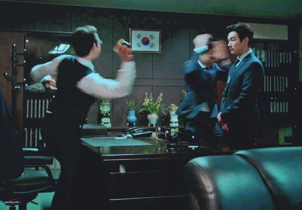 Sao nam Hàn trên phim vs. ngoài đời: Khác nhau một trời một vực! - ảnh 20