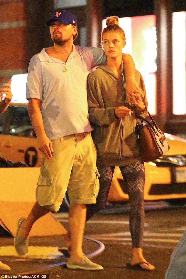 Vẻ nóng bỏng của mỹ nhân khiến Leonardo thòm thèm tới mức chia tay bạn gái xinh - ảnh 1