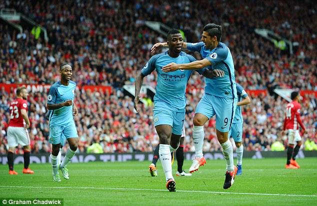 Chốt lịch derby Manchester: Man Utd đối diện lịch đấu khủng khiếp - Ảnh 2.